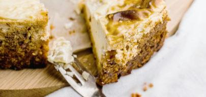 Skinny cheesecake met dadel en pompoenkorst