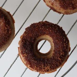 Gezonde donuts met Live Puri chai