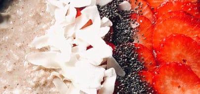 Live Puri bloemkoolpap met aardbeien