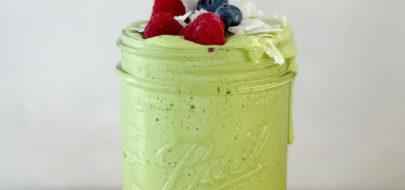 Groene smoothie met kokoseiwitpoeder