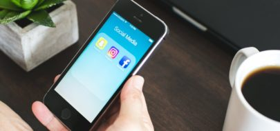 Iphone met social media iconen